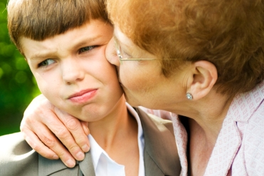 بوسیدن کودکان بدون اجازه شان